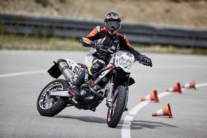 Motorrad Rundstrecken Kurventraining 3